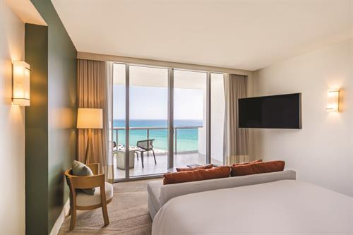 Eden Roc Miami Beach  Jr. Suite