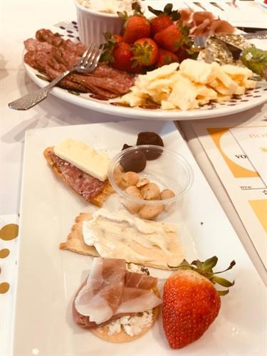 Gallery Image Boisset_-_Food_Pairing.jpg