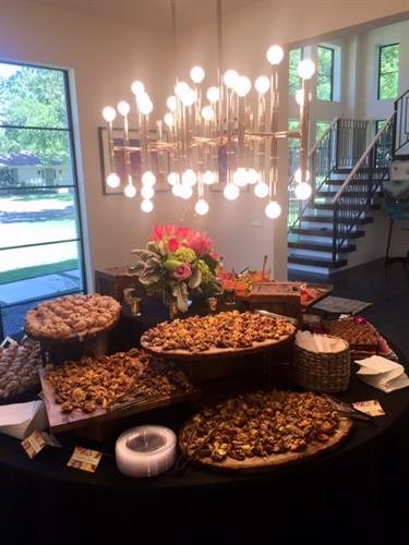 Gallery Image EA-Artists_Showcase_Macklin's_Catering_4-19.jpg