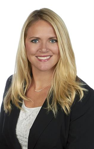 Erin Jacobson, Banking Center Manager