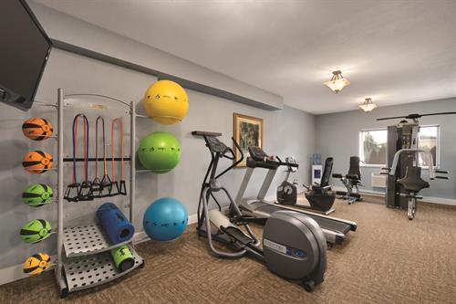 Gallery Image BEST_WESTERN_PLUS_Peppertree_Airport_Inn_-_Fitness_Center_-_1171402.jpg