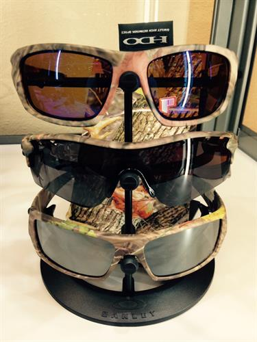 Large selection of non-prescription and Rx-sunwear