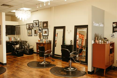Gallery Image trixies-salon-desmoines-iowa-raelyn-ramey-photography-35.jpg
