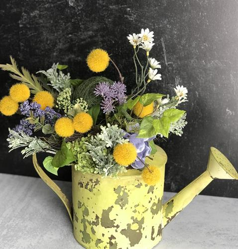 Quality custom floral designs for home and office