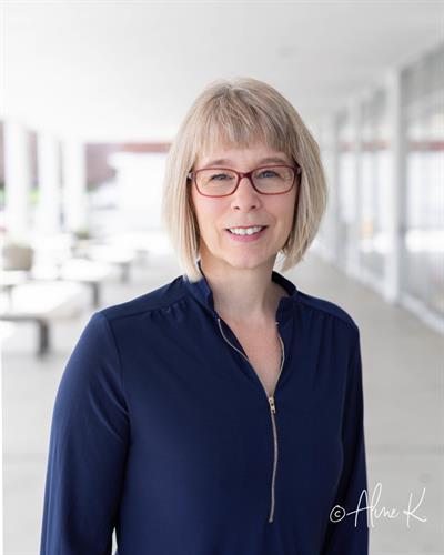 Teri Skiles, Broker/Owner