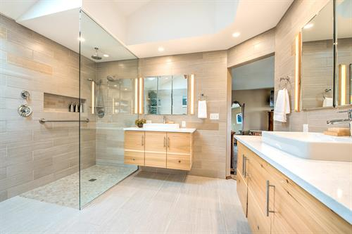 NARI Contractor of the Year 2018 Award Winning Bathroom Remodel by Ealy Construction