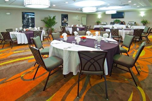 Let us cater your next event at the Holiday Inn & Suites Slidell