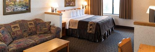 Guest Room with One King Bed Deluxe