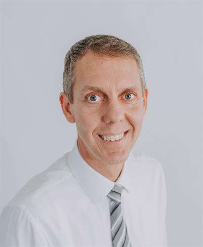 Glen D. Nydam, Optometrist