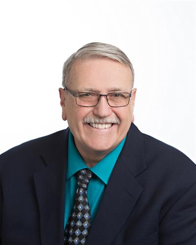 Meet Bryant Bilderback, Senior Vice President, Ag Lender - bbilderback@tworivers.bank or 319-385-0626