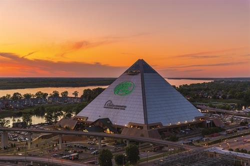 Gallery Image Bass_Pro_Shops_at_the_Pyramid.jpg