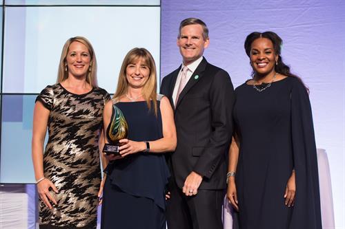 2019 Raymond James Woman of Distinction Award