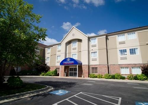 Candlewood Suites St. Robert an Extended Stay Hotel and Pet-Friendly