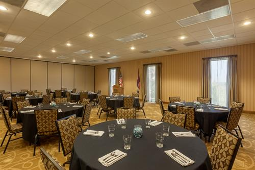 Gallery Image Hampton_Inn_St._Robert_-_Ft._Leonard_Wood_-_Meeting_Room_-_971876.jpg