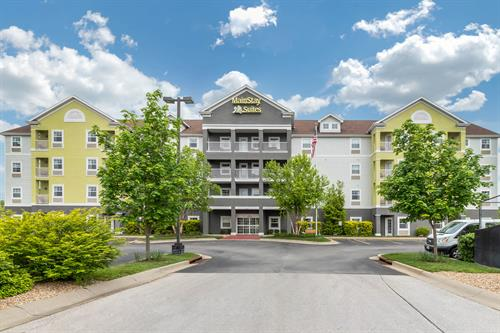 MainStay Suites by Choice, your home away from home near Fort Leonard Wood.