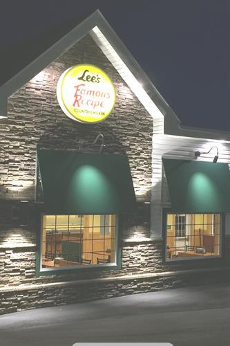Gallery Image Lee's_Chicken_for_Chamber.jpg