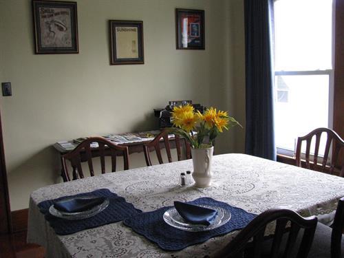 Gallery Image Dining_Room2.JPG
