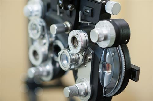 Gallery Image eye-refractor-1200px_orig.jpg