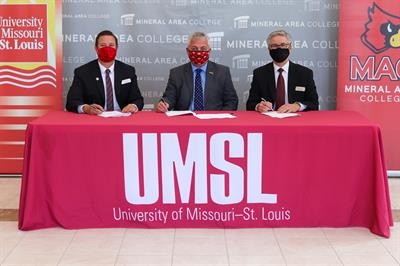 Mineral Area College and University of Missouri-St. Louis Update Agreement