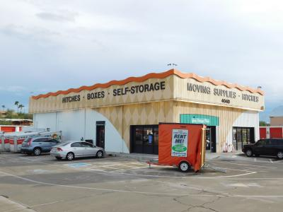 Storefront of U-Haul Moving & Storage at Ina Rd