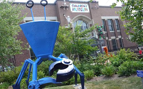 The Big Blue Crab outside the Children's Museum of New Hampshire