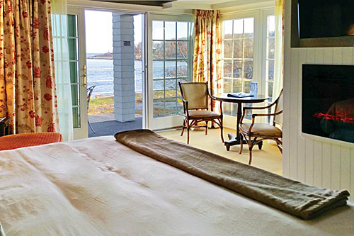 Oceanfront Luxury Guest Room.