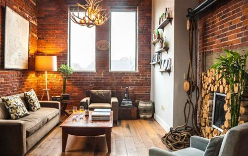 Ale House Inn features a brick-walled guest lounge at our Portlsmouth boutique inn.