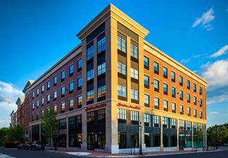 Hampton Inn & Suites Portsmouth Downtown