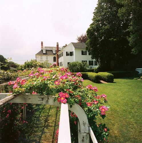 Rose Arbor, Governor John Langdon House