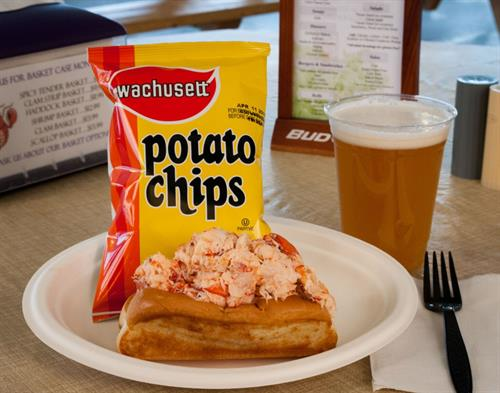 10 oz. award-winning lobster roll