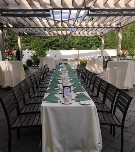 Gallery Image Pergola_long_table.jpg