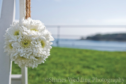 Breathtaking ocean, beach, and cliff settings for your wedding photos.