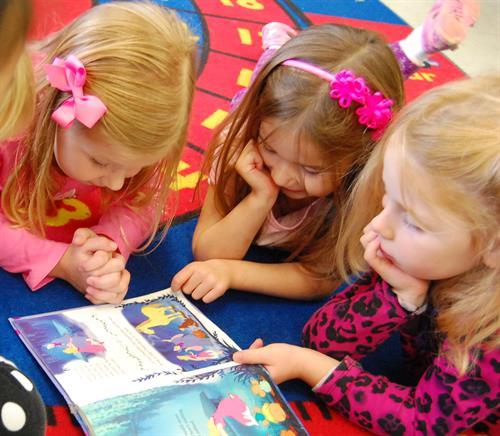 Gallery Image preschool_reading.jpg