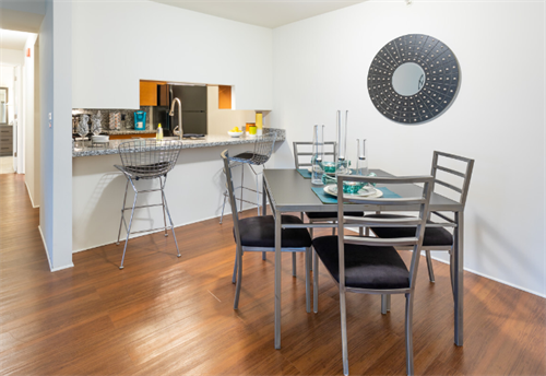 Gallery Image P1-_MODEL_-_DINING_ROOM___KITCHEN.PNG