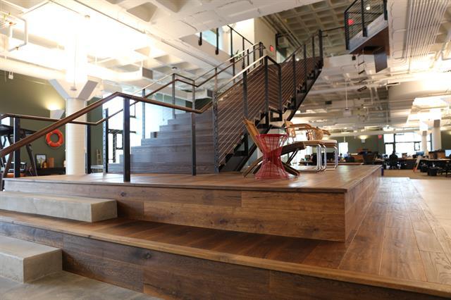 Gallery Image ElCamp_Stairs.JPG
