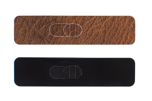 Gallery Image KamShiled_Product_Leather_Black_Bkg_SMALL.png