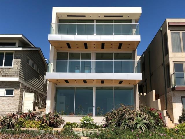 2814 The Strand exterior