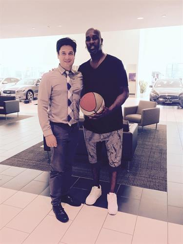 """NBA Legend, """"The Glove"""", Gary Payton drops by to pick up his new Infiniti from salesperson Nima"""
