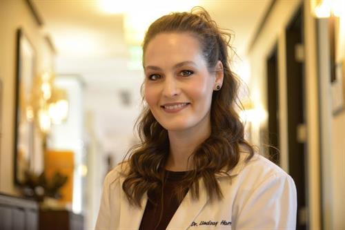 Dr. Lindsay Harris, Optometrist