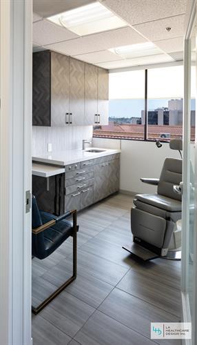 Medical Clinic - Exam Room