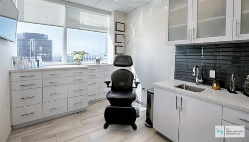 Plastic Surgery Clinic  - Exam Room