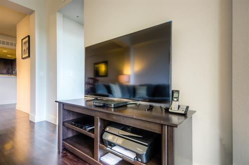 Wilshire Corridor - Living Room