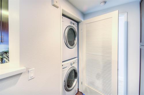 Wilshire Corridor - Washer/Dryer in Unit