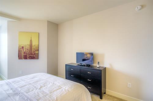 Wilshire Corridor - Master Bedroom