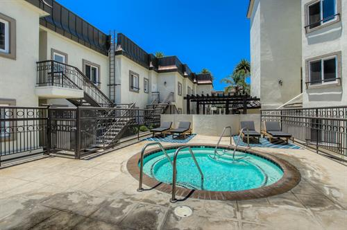 Beverly Hills 2 Bedroom - Spa