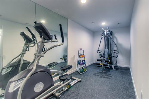 Beverly Hills 2 Bedroom - Gym