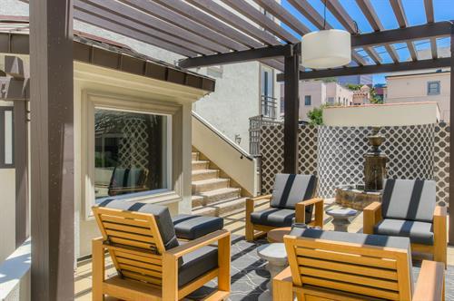 Beverly Hills 2 Bedroom - Outdoor Seating