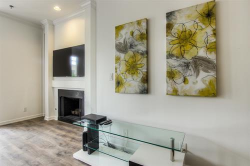 Beverly Hills 2 Bedroom - Living Room