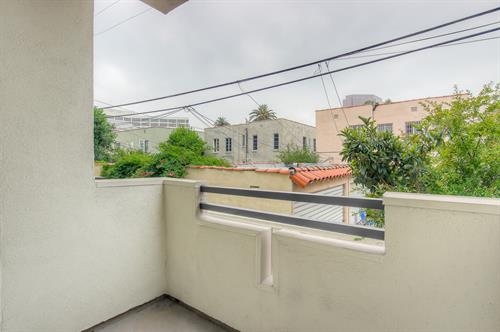 Beverly Hills 2 Bedroom - Balcony
