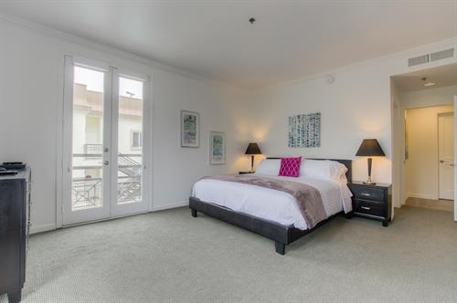 Beverly Hills 2 Bedroom - Master Bedroom